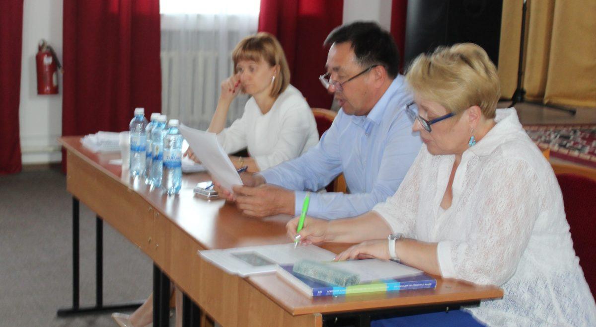 Н.Нефёдова, С.Беркинбаев и С.Могилюк
